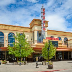 Regal Cinemas Bridgeport Village 18 Entrance 1800X1080