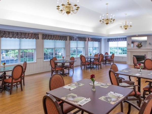 Memory Care Dining Room | Kingston of Marion