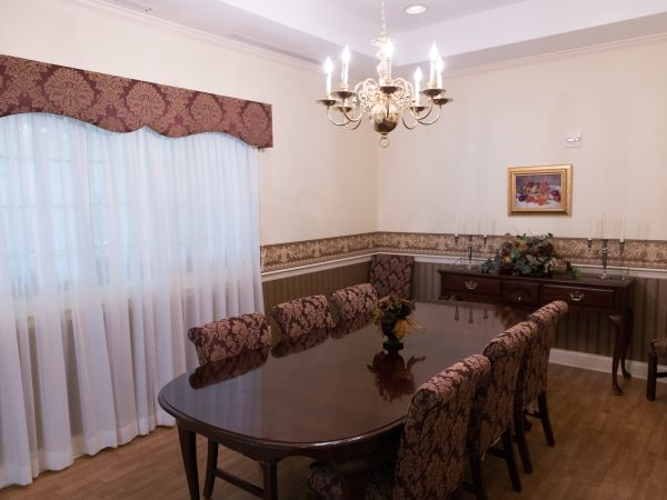 Private Dining at Assisted Living Community | Kingston Marion