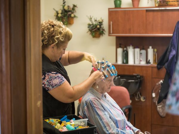 Kingston Residence of Vermilion's Hairstylist